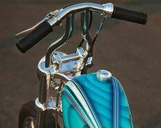 very narrow custom handlebars Triumph Bobber, Bobber Bikes, Bobber Chopper, Vintage Motorcycles, Custom Motorcycles, Custom Bikes, Harley Handlebars, Chopper Parts, Lane Splitter