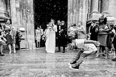 Juanma Rodríguez - FEARLESS in Spain. Find your Fearless Photographer at FearlessPhotographers.com. <3 Candied Fruit, Wedding Confetti, Vulnerability, Real Life, Wedding Day, Wedding Photography, In This Moment, Concert, Weddings