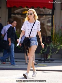 Poppy Delevingne Looking sexy with tight shorts strolling along Manhattan http://icelebz.com/events/poppy_delevingne_looking_sexy_with_tight_shorts_strolling_along_manhattan/photo2.html