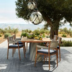 Table et table basse extérieur Cassina DINE OUT L 280 Outdoor Dining, Outdoor Spaces, Outdoor Decor, Chaise Panton, Muuto, Perriand, Outdoor Furniture Design, Dream House Interior, Relax