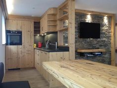 CHALET MIRADOR - SAAS FEE Kitchen Saas Fee, Entryway, Real Estate, Kitchen, Furniture, Home Decor, Countertop, Kitchens, Real Estates