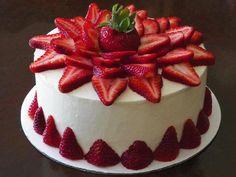 bolos decorados morangos 10