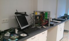 Mesa de trabajo del taller.