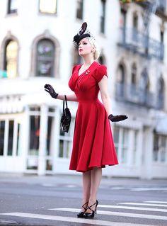 Retro Fashion Rachel Ann Jensen ♥: Little Italy Mode Rockabilly, Rockabilly Fashion, Lolita Fashion, Emo Fashion, Retro Mode, Vintage Mode, Vintage Pins, Vintage Floral, Retro Vintage