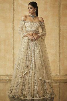 SCALLOPED OFF-SHOULDER BLOUSE Pakistani Lehenga, Lehenga Blouse, Bridal Lehenga Choli, Anarkali, Cape Lehenga, Lehnga Dress, Day Dresses, Evening Dresses, Afternoon Dresses
