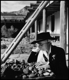 Abiquiu, N.M.—American painter Georgia O'Keefe at her ranch, 1948.  © Philippe Halsman / Magnum Photos