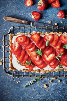Serve this beautiful tart with glasses of rosé or Champagne for a truly memorable dessert. Your guests will love the creamy, lemon-scente. Dessert Dishes, Dessert Recipes, Strawberry Tart, Summer Desserts, Something Sweet, Soul Food, Leather Sandals, Graham, Glaze