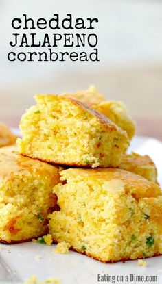 Cheddar Jalapeno Cornbread Recipe – Eating on a Dime You have to try this easy cheddar jalapeno cornbread recipe. It is the perfect blend of spicy and sweet and your family will love this cornbread recipe. Southern Cornbread Recipe, Homemade Cornbread, Sweet Cornbread, Cornbread Muffins, Martha White Mexican Cornbread Recipe, Cornbread With Corn, Homemade Muffins, Homemade Breads, Jalapeno Cheddar Cornbread