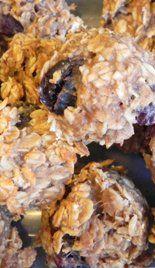 Peanut Butter Oatmeal Cookies - Honey sweetens this dessert—no refined sugar added! #glutenfree