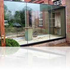 glass corridor between buildings Glass Extension, Extension Ideas, Extension Google, Building Extension, Architecture Details, Interior Architecture, Glass Walkway, Barn Kitchen, Glass Room