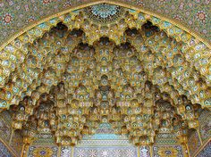 15-mesmerizing-mosque-ceilings-that-appear-to-be-influenced-by-psychedelia2