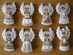 ** Vánoční perníkový andělíčci ** Gingerbread Decorations, Gingerbread Man Cookies, Christmas Tree Cookies, Christmas Gingerbread House, Christmas Dishes, Xmas Cookies, Christmas Cooking, Christmas Treats, Fancy Cookies