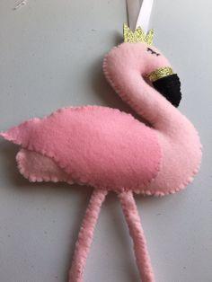 Handgemaakte vilt flamingo van SewSoBusy op Etsy