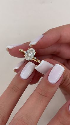 Cute Engagement Rings, Oval Gold Engagement Ring, Wedding Engagement, Best Wedding Rings, Beautiful Wedding Rings, Gold Wedding Rings, Wedding Goals, Dream Wedding, Wedding Ideas