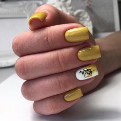 Discover the 10 most popular nail polish colors of all time! - My Nails Yellow Nails, Green Nails, Pink Nails, My Nails, Semi Permanente, Fall Nail Art, Fall Nails, Summer Nails, Pretty Nail Art