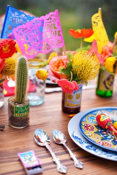 Technicolor Cinco de Mayo Wedding  http://ruffledblog.com/ruffled_galleries/technicolor-cinco-de-mayo-wedding/    Papel picado by: aymujershop.com
