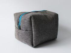 Kosmetyczka wełniana unisex w lagablotte na DaWanda.com / Wool unisex pouch on DaWanda.com Backpacks, Bags, Fashion, Handbags, Moda, Fashion Styles, Taschen, Women's Backpack, Purse