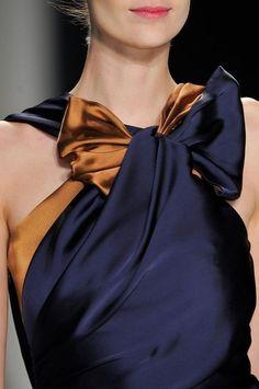 Womens Fashion - Carolina Herrera at New York Fashion Week Fall 2014 - Details Runway Photos New York Fashion, Runway Fashion, Womens Fashion, Fashion Details, Love Fashion, Fashion Beauty, Fashion Design, Dress Fashion, Fall Fashion