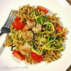 21 Day Fix: Zoodles with Shrimp and Tomatoes Get Healthy, Healthy Eating, Healthy Recipes, Spiral Slicer Recipes, Calorie Intake, 21 Day Fix, 21 Days, Food Design, 21st