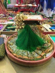 Useful Wedding Event Planning Tips That Stand The Test Of Time Bridal Gifts For Bride, Indian Wedding Gifts, Desi Wedding Decor, Indian Wedding Decorations, Wedding Crafts, Wedding Events, Weddings, Wedding Ideas, Wedding Suits