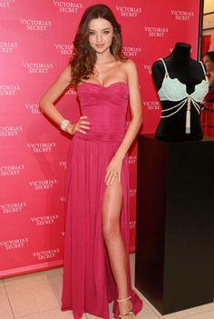 Miranda Kerr Hot Pink Dress Strapless Prom Dress With a Hip High Slit Hot Pink Dresses, Sexy Dresses, Beautiful Dresses, Prom Dresses, Miranda Kerr Outfits, Miranda Kerr Style, Vs Models, Sensual, The Dress