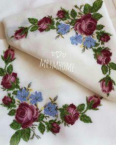 Cross Stitch Rose, Cross Stitch Flowers, Cross Stitch Embroidery, Cross Stitch Patterns, Christmas Cross, Needlepoint, Needlework, Decoupage, Diy And Crafts