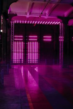 Gucci Men's Spring Summer 2016 Fashion Show Space