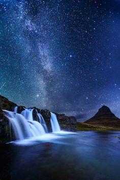 //Milky Way and Kirkjufell by (Snorri Gunnarsson)
