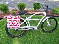 Bicycle Panniers (aka Saddle Bags for your bike) Tutorial Bicycle Panniers, Bicycle Bag, Sewing Patterns Free, Free Sewing, Crochet Patterns, Bike Saddle Bags, Diy Bags, Bag Making, Quilts