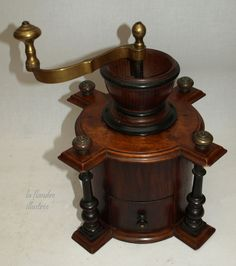 Use A Coffee Grinder Taste The Difference Great Coffee, Coffee Time, Coffee Shop, Coffee Maker, Apothecary Cabinet, Le Moulin, Shabby Chic Homes, Vintage Coffee, Coffee Recipes