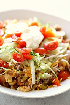 Ground turkey, brown rice, salsa, and cheese come together to make this easy Ground Turkey Taco Skillet ready in eat in less than 25 minutes! A healthy meal that only uses one dish. Ground Turkey Tacos, Healthy Ground Turkey, Ground Turkey Recipes, Ground Beef, Good Healthy Recipes, Healthy Snacks, Healthy Eating, Top Recipes, Healthy Dinners