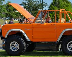The original Bronco was an ORV (Off-Road Vehicle), intended to compete primarily with Jeep CJ models and the International Harvester Scout Old Ford Bronco, Bronco Truck, Jeep Truck, Classic Bronco, Classic Ford Broncos, Classic Trucks, Early Bronco For Sale, Broncos Pictures, Suv For Sale