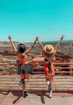 Top 5 Things to Do in Colorado – Tripping with my Bff Photos Bff, Best Friend Pictures, Cute Friend Pictures, Cute Photos, Friend Pics, Best Friends Shoot, Cute Friends, Bff Goals, Best Friend Goals