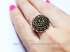 Como hacer un original anillo con cremalleras