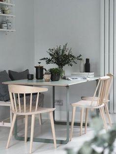 interieur kleine woonkamer Best Minimalist Dining Room Design Ideas For Dinner With Minimalist Dining Room, Minimalist Home Decor, Minimalist Interior, Minimalist Living, Minimalist Bedroom, Modern Minimalist, Decoration Inspiration, Dining Room Inspiration, Interior Minimalista