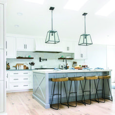 Consider Installing Kitchen Islands To Go With Your Unique Kitchen Design – Home Dcorz New Kitchen, Kitchen Dining, Kitchen Decor, Copper Kitchen, Rustic Kitchen, Kitchen Ideas, Hgtv Kitchens, Cool Kitchens, Kitchen Island Lighting