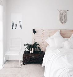 • F r i d a y • • • Got delivered a couple of beautiful prints this week from @littlebrickhome. This one has found its place beside my bed. I need to go to the shops to try and find some extra large black or gold bulldog clips. Anyone know where I can find them? • • #plants #Friday #tgif #bed #bedroom #bohemian #macrame #bedside #today #love #beautiful #cactus #wallart #dream_interiors #homeinspo #homedecor #interiordesign #interior4all #interior123 #interiorinspiration #interiorwarrior…