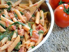 Creamy Tomato & Spinach Pasta - Good base for creamy tomato pasta, can add any veggies/meat!