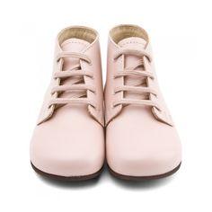 75 meilleures images du tableau Girls   Girls shoes, Ladies shoes et ... a35d43deb2b5