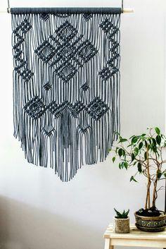 Large gray macrame wall hanging #macrame #modernmacrsme #macramewallhanging #boho #bohemian #bohohome #bohodecor