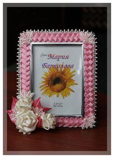 Одноклассники Diy Flowers, Fabric Flowers, Handmade Crafts, Diy Crafts, Kanzashi, Ribbon Art, Activity Games, Deco Mesh, Picture Frames