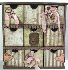 Vintage altered box from Swirlydoos - gorgeous Mais Altered Boxes, Altered Art, Diy And Crafts, Paper Crafts, Decoupage Box, Home And Deco, Craft Storage, Box Art, Paper Design