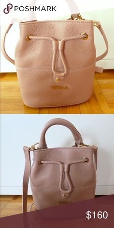 Shop Women s Furla Pink size OS Crossbody Bags at a discounted price at  Poshmark. Description  Brand new with tags Brooklyn Mini Drawstring Furla  Bag. 181ce2c8d3