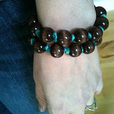how to make a really simple beaded bracelet. It's a fun, quick project.