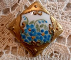 "VICTORIAN HAND PAINTED ENAMELED ""FORGET ME NOT"" 7/8"" SINGLE SQUARE STUD BUTTON"