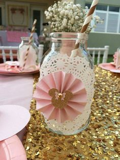 Jarrones para bebidas con tema de minnie mouse. .. color rosa, blanco y dorado oro