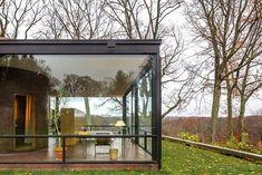 The Glass House, New Canaan, Philip Johnson. Photographer Simon Garcia.