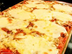 Fresh mozzarella on top of this eggplant lasagna means a whole lot of cheesy goodness! My Recipes, Italian Recipes, Favorite Recipes, Italian Pasta Dishes, Eggplant Lasagna, Pizza Kitchen, Veggie Lasagna, Veggie Side Dishes, I Love Food