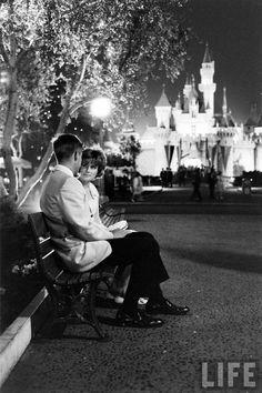 A couple on their prom night in Disneyland, Photography by Ralph Crane courtesy of Life Magazine. Bal Disney, Disney Parks, Retro Disney, Disney Love, Disney Magic, Walt Disney World, Disney Pixar, Disney Stuff, Punk Disney