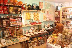 zakka shop. osaka, japan.  why not one here??